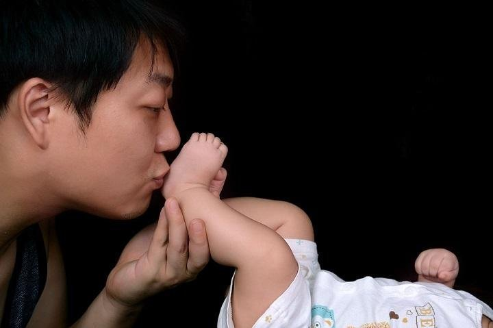 Paternity Leave: Why Dads Need It