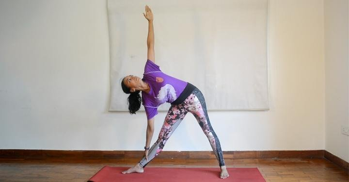 8 Super Yoga Poses for Busy Moms To Do At Home