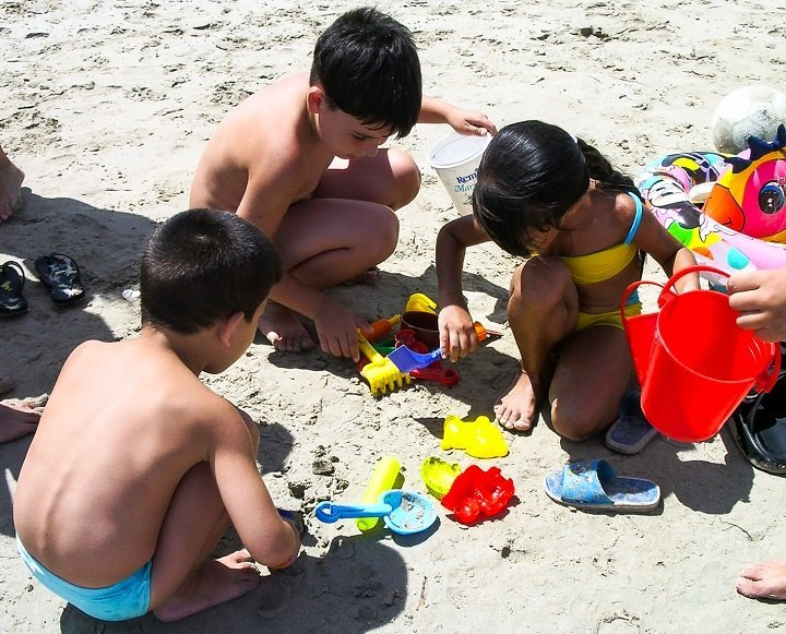7 Reasons Why Playing in the Sand is Good for Kids