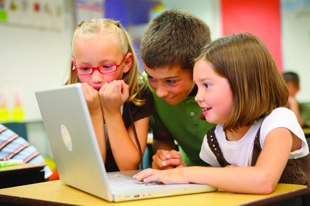 What To Tell Your Child About Blogging