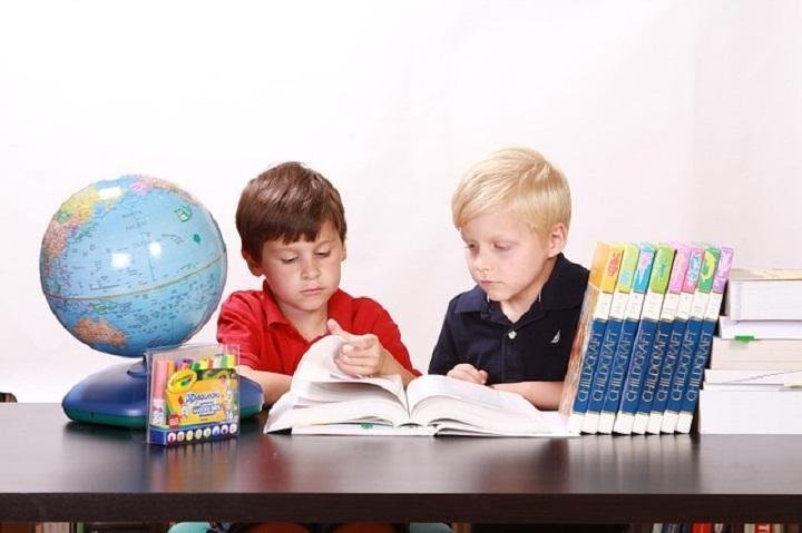5 Activities to Promote Healthy Learning Between Siblings