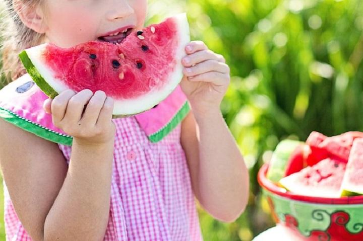 Fruits That Keep Your Child Hydrated in Summer
