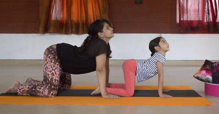 Parent-Child Yoga: 6 Great Asanas for Family Fitness