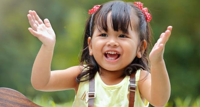 10 health benefits of clapping that will surprise you