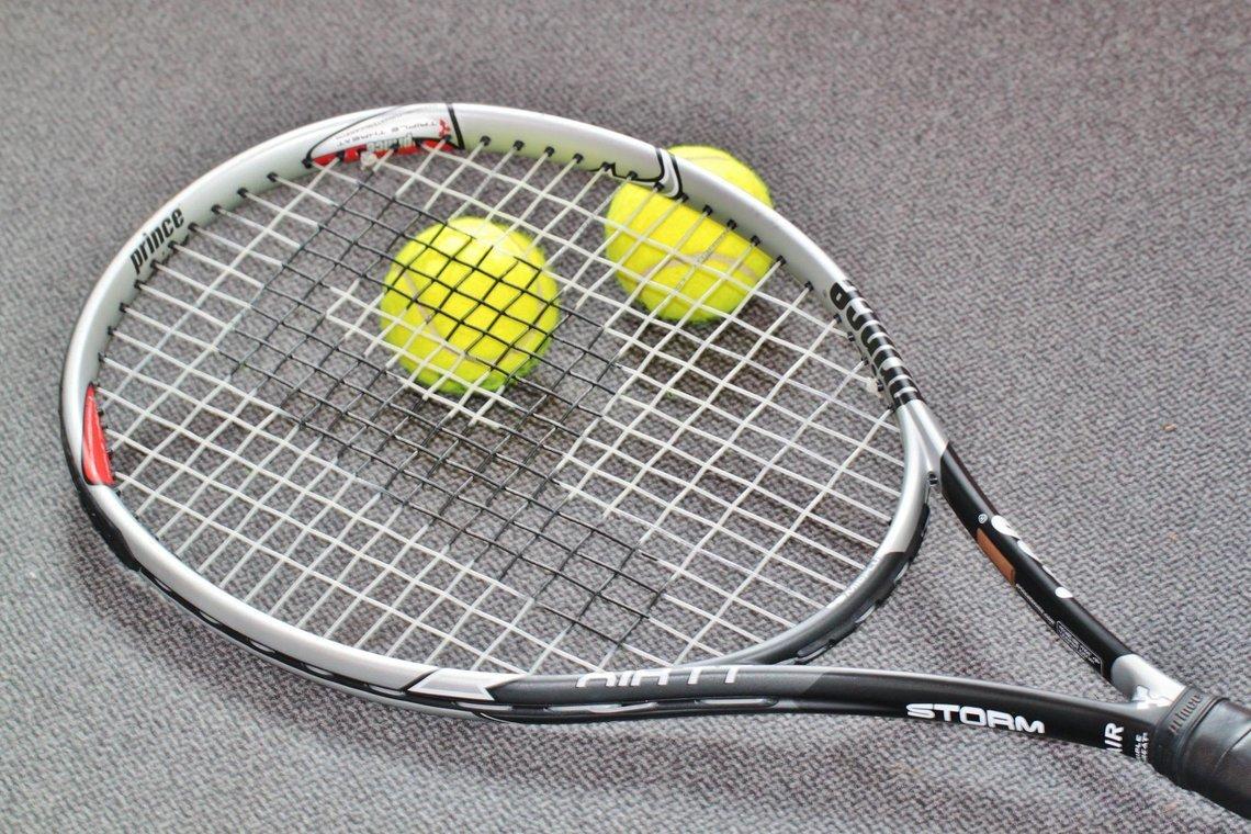 Creating a racquet with Rohan Bopanna!