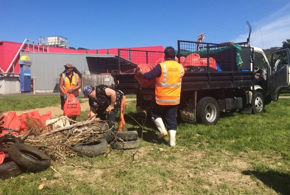 Onepoto harbour clean-up
