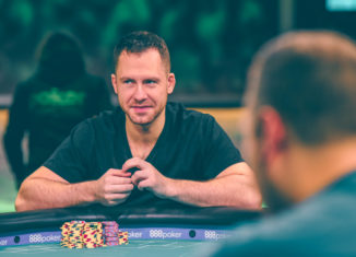 Dan Cates in action during the Super High Roller Cash Game.