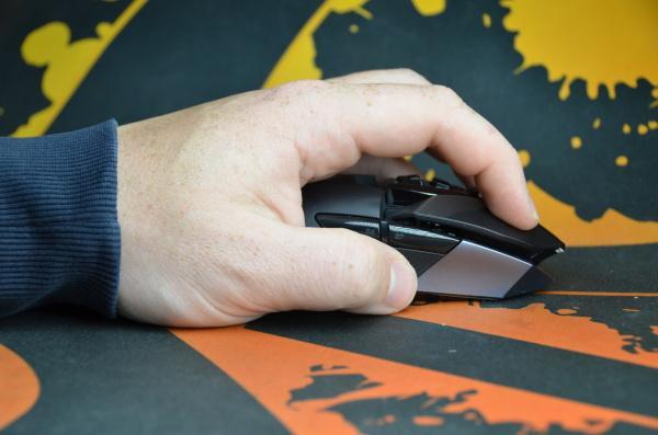 Logitech G900: Jaká je herní bezdrátová myš za čtyři tisíce