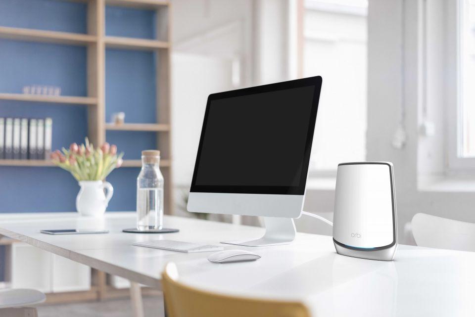 NETGEAR Orbi WiFi 6 je mesh systém s podporou nejnovějšího Wi-Fi standardu AX