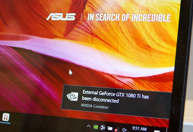 Asus XG Station Pro: Hrajte s GTX 1080 Ti na ultrabooku