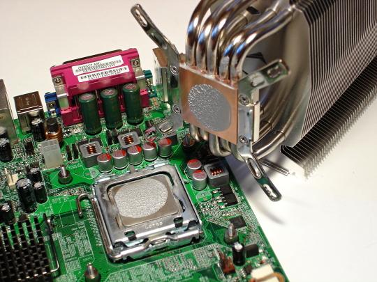 Velký test teplovodivých past – vyplatí se připlácet?