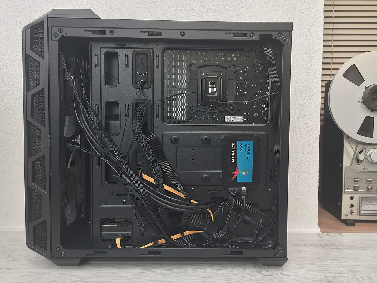 Cooler Master MasterCase H500 ARGB – nejnižší HAF