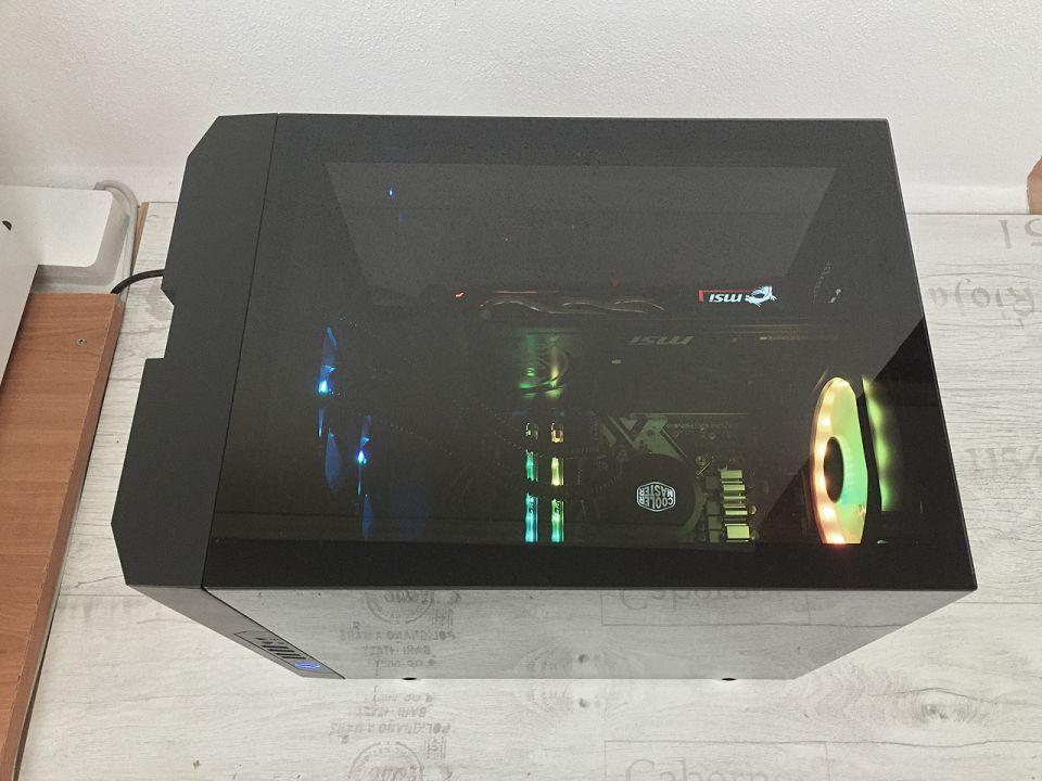 Chieftronic M1: pěkná skříň s nevyužitým potenciálem