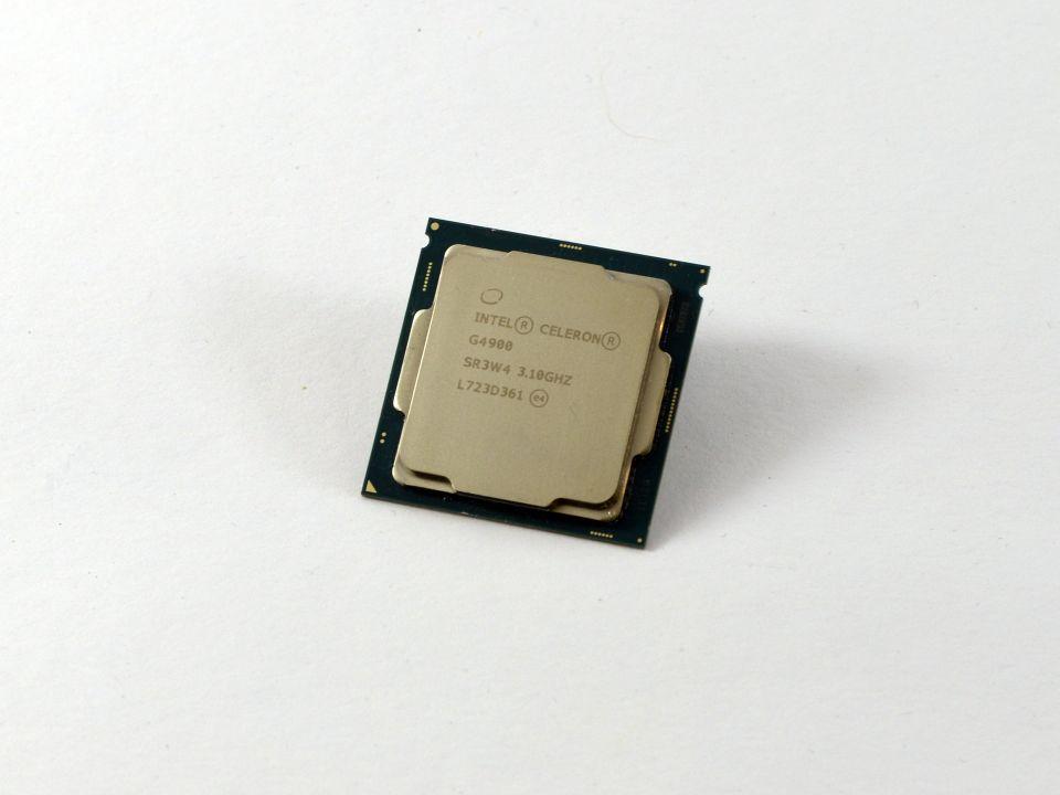 AMD Athlon 200GE, Intel Celeron G4900 a Pentium G5500