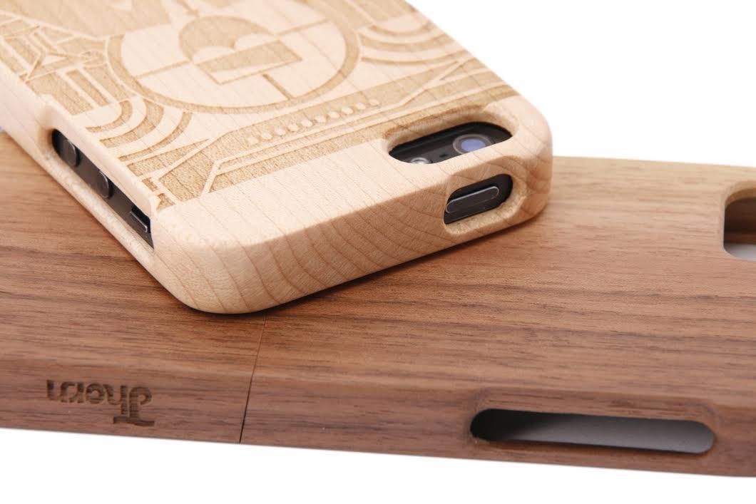 Thorn Case jsou originální české kryty pro iPhony z ořechu a javoru