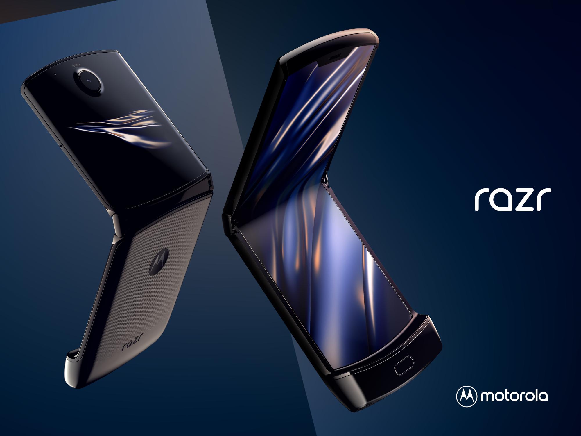 Skládací smartphone Motorola Razr znovu zlevnil