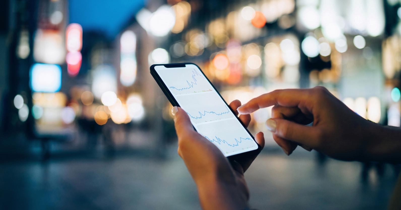 Prodeje smartphonů se ve druhém čtvrtletí propadly o 20 procent