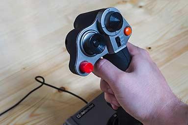 Velký test joysticků: čtyřka pro ty náročnější