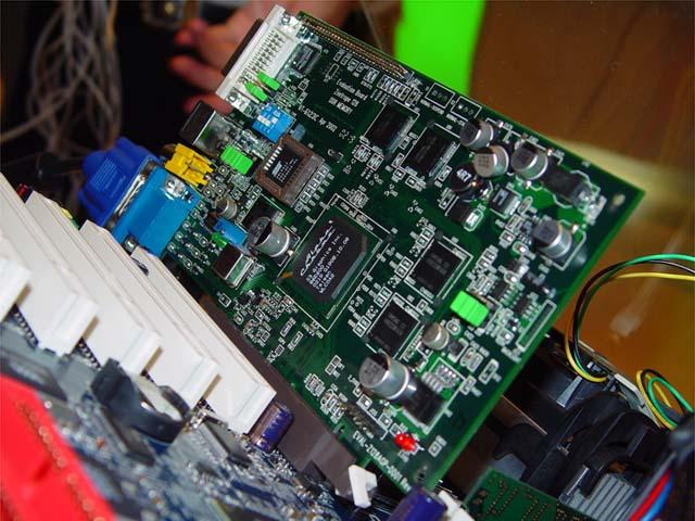 Historie společností vyrábějících 3D čipy - díl VI.: S3 Graphics