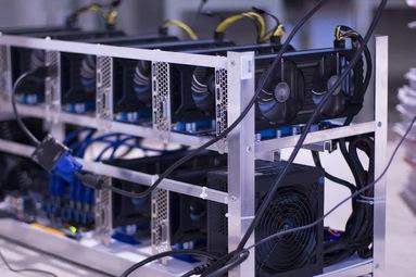 Kryptomining: Otázka dostupnosti hardwaru i energie