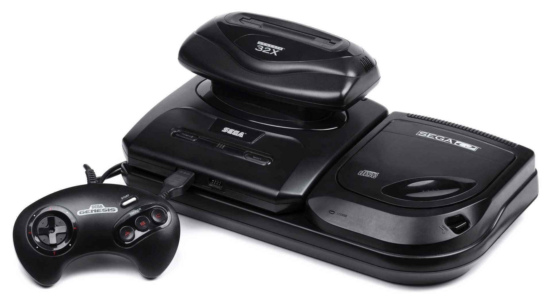 Sega Genesis Model 2 s připojeným Sega CD a 32X, (zdroj: Wikimedia Commons)