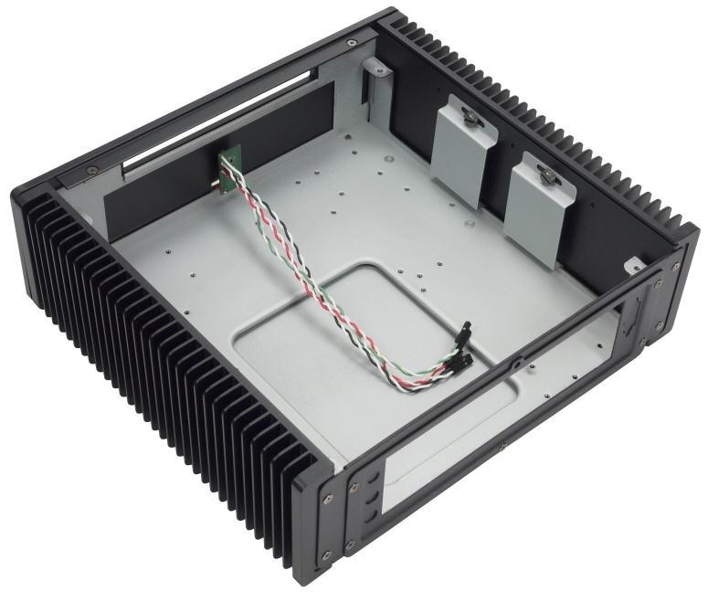 Impactics C3LH-B — malá počítačová skříň a zároveň velký chladič
