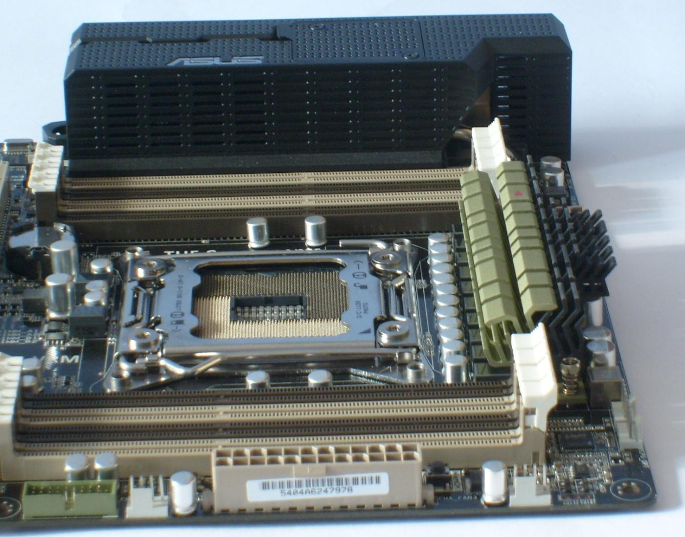 Asus Sabertooth X79 –  odolná deska s pětiletou zárukou