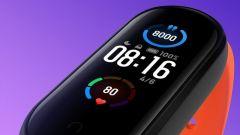 Xiaomi v Česku uvede levný chytrý náramek, který umožní platby u obchodníka