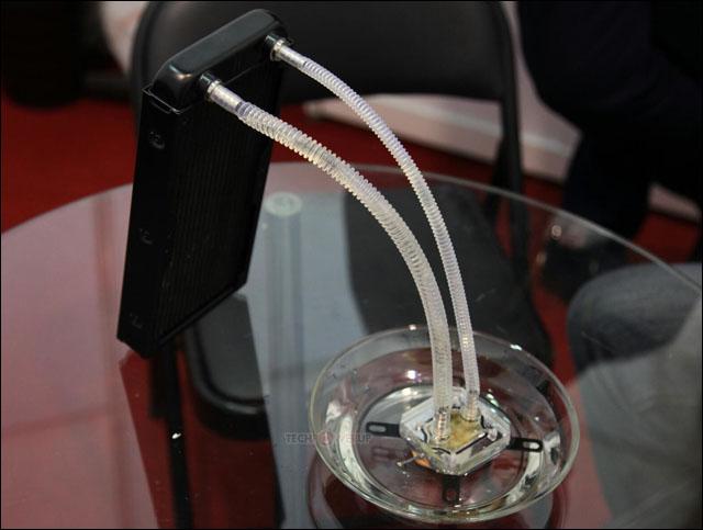 Raijintek vyvinul první pasivní kapalinový chladič