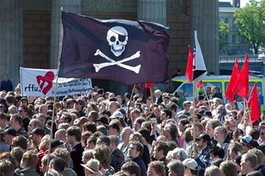 Jak se společnosti přestaly bát a začaly milovat piráty