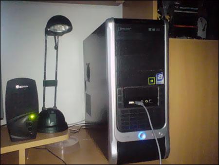 Počítač je to výkonný - s fotoaparátem (a focením) je to už horší ;-)