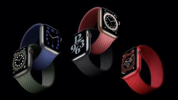 Apple spustil prodej chytrých hodinek Watch Series 6 a Watch SE