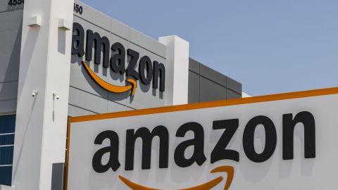 Amazon v Česku vybuduje nové distribuční centrum, zaměstná 2000 lidí