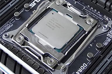 Intel Core i7-5960X: osmijádrový drtič pro desktopový highend