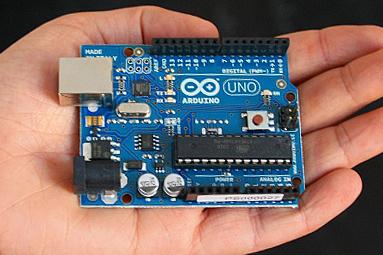 Stavím, stavíš, stavíme: Arduino a Intel Edison