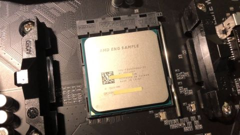 AMD Ryzen 3 5300G přetaktován na 5,6 GHz pod kapalným dusíkem