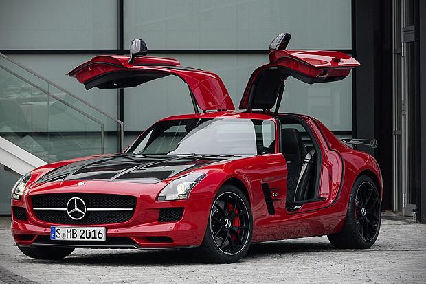 Krásný Mercedes-Benz AMG SLS Final Edition.