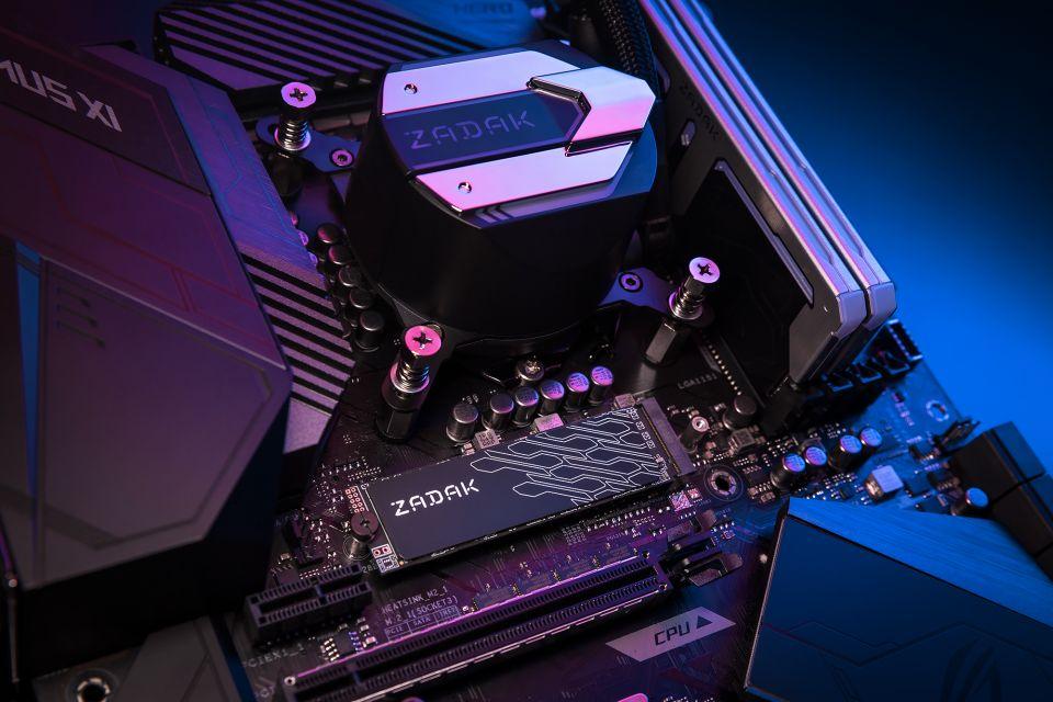 Zadak má TWSG3 M.2 NVMe SSD s grafenovým chlazením