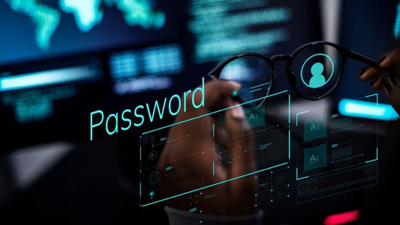 Nejvážnější hrozbou v Česku zůstal spyware, cílí na hesla