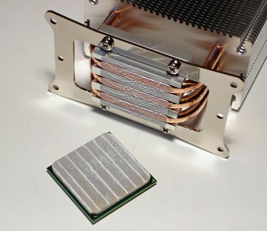Nanášení teplovodivé pasty – jaký postup je ten nejlepší?