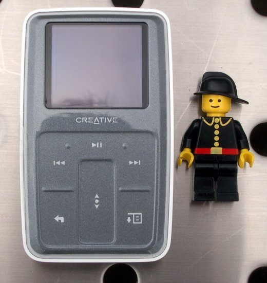 Creative Zen Microphoto - Osmigigabajtový elegán