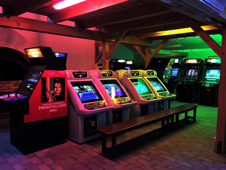 Návštěva v Arcade Hrách: I staré hry mají stále co říct!