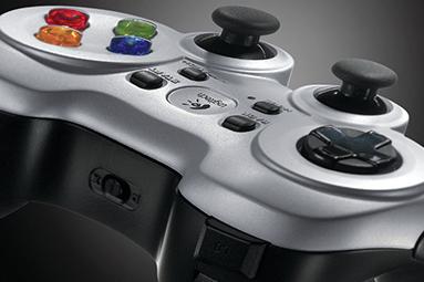 Test deseti gamepadů pro PC – pořádné herní nářadí je základ
