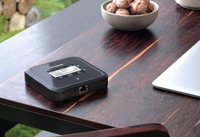 Mobilní router Netgear Nighthawk M5 s 5G a Wi-Fi 6 připojí až 32 zařízení