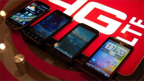 Nejrychlejší mobilní internet měl v srpnu Vodafone