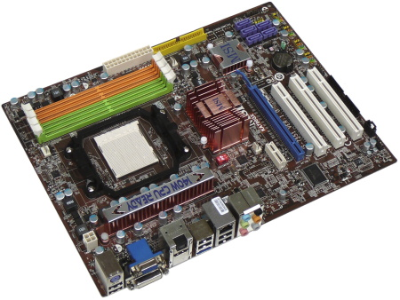 Vybíráme desku pro Phenom - Čtyřikrát AMD RD790