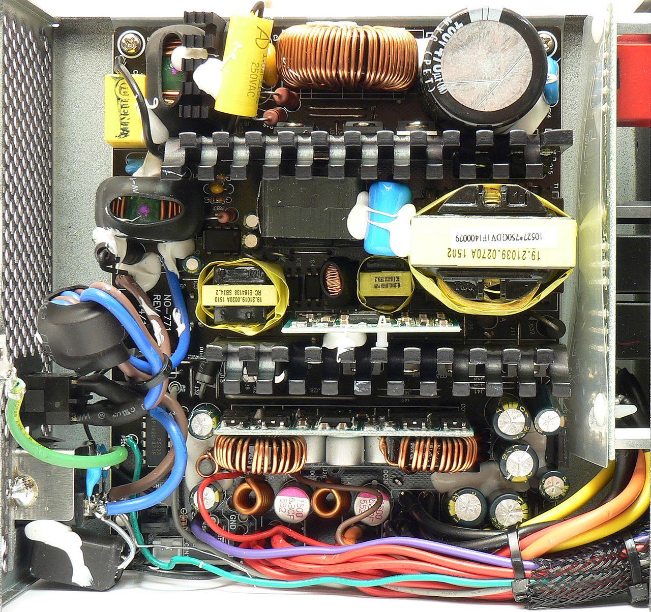 Zalman ZM750-EBT: synchronní zlatá platforma Sirtec