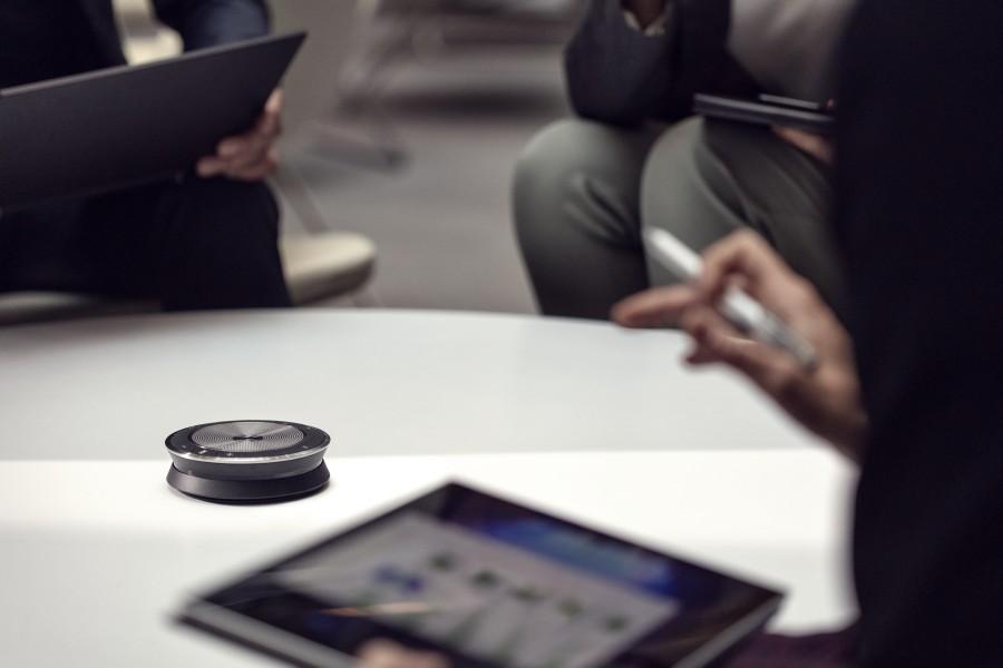 Sennheiser SP 30 je kvalitní řešení pro konferenční hovory v kanceláři i na cestách