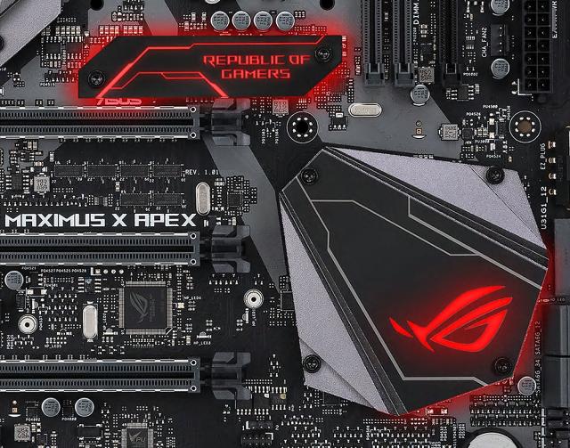 Asus Maximus X Apex – taktujeme i7-8700K s LN2 na 7 GHz!