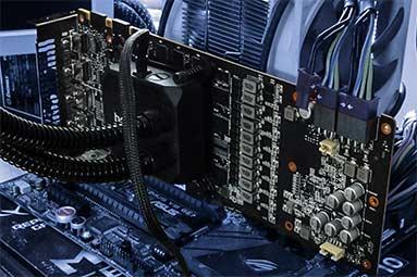 Taktujeme GeForce GTX 1080 Ti: s vodou na hranici možností